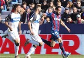 لالیگا  پیروزی آلاوس در خانه لوانته با گلزنی بازیکن پیشین بارسلونا