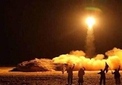 90کشته و 130 زخمی در حمله ارتش یمن به مقر شبه نظامیان وابسته به منصور هادی در مأرب