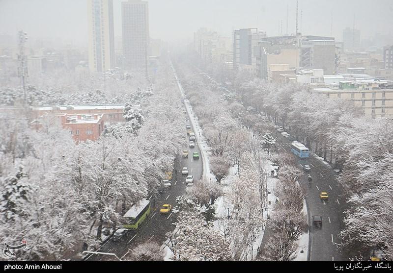 بارش برف در جاده های 19 استان