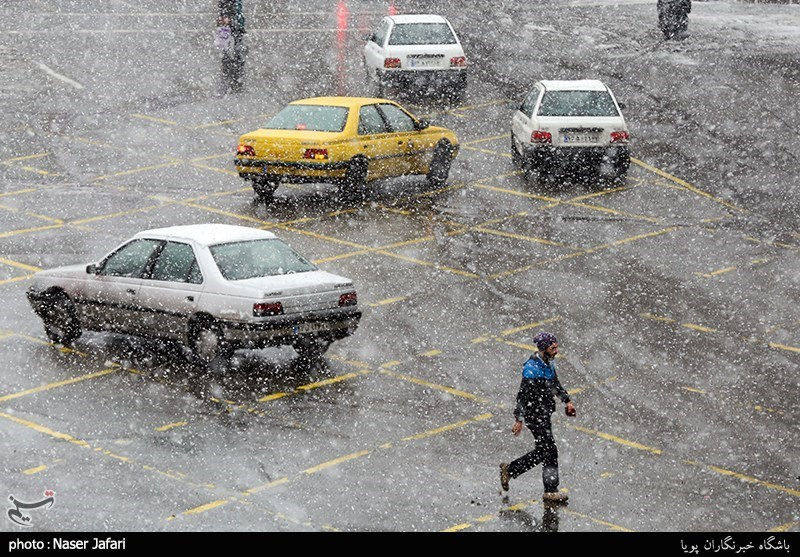 هواشناسی ایران 98/10/8|افزایش آلودگی هوا در 5 شهر/ بارش برف و باران 2 روزه در برخی استانها
