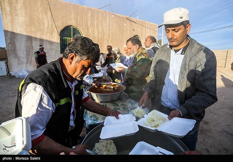 توزیع ۹۵۲ هزار پرس غذا بین هموطنان سیلزده توسط ۳۰ موکب اربعینی