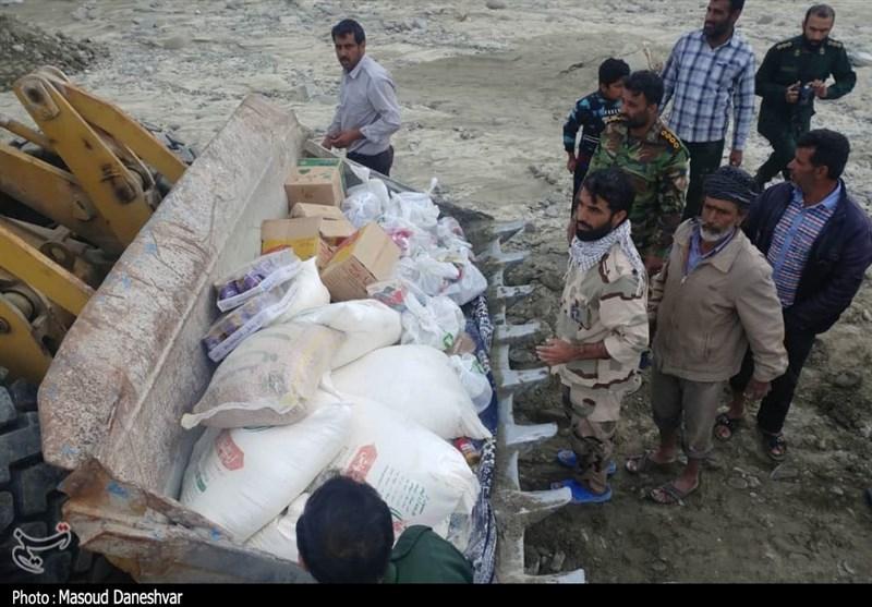 هرمزگان | اوضاع روستاهای سیل زده در بشاگرد بحرانی است/امدادرسانی جهادی سپاه با لودر به سیل زدگان + فیلم