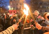 Massive Torch-Lit Protests Held in Paris against Pension Reform (+Video)