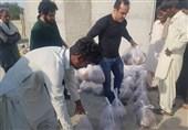 حضور قهرمان سابق کشتی ایران در مناطق سیلزده + عکس