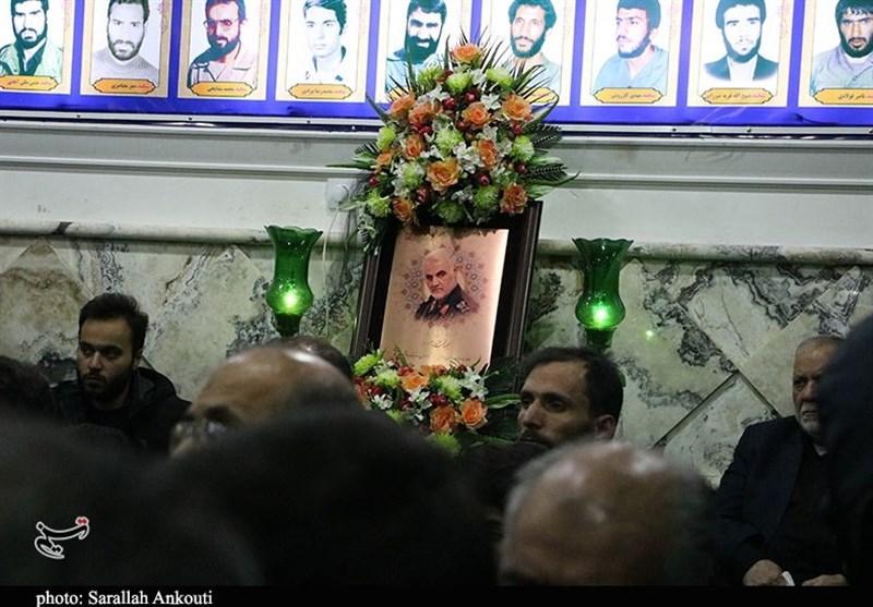 نخستین شب عزاداری ایام فاطمیه در بیتالزهرای حاج قاسم در کرمان + عکس