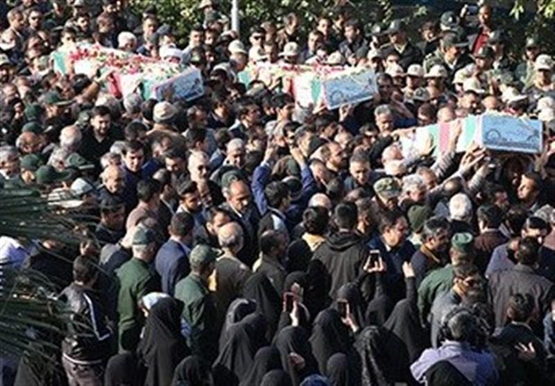 تشییع پیکر 3 شهید گمنام دوران دفاع مقدس در بوشهر به روایت تصویر