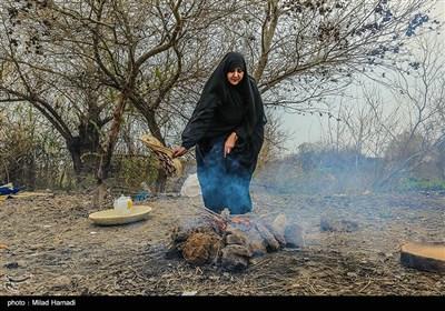 صرف غذای محلی در کنار هورالعظیم - خوزستان