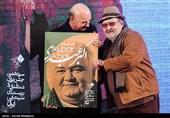 بزرگداشت اکبر عبدی در سیزدهمین شب منتقدان و نویسندگان سینمای ایران