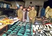 بازداشت دو تروریست و کشف محموله بزرگ سلاح در پاکستان