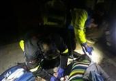 """آتشِ """"انباری 10 متری"""" منزل مسکونی را خاکستر کرد/ نجات 5 نفر از دل آتش و دود + تصاویر"""
