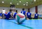 اهدای مدال طلای ملیپوش والیبال نشسته به پرستاران