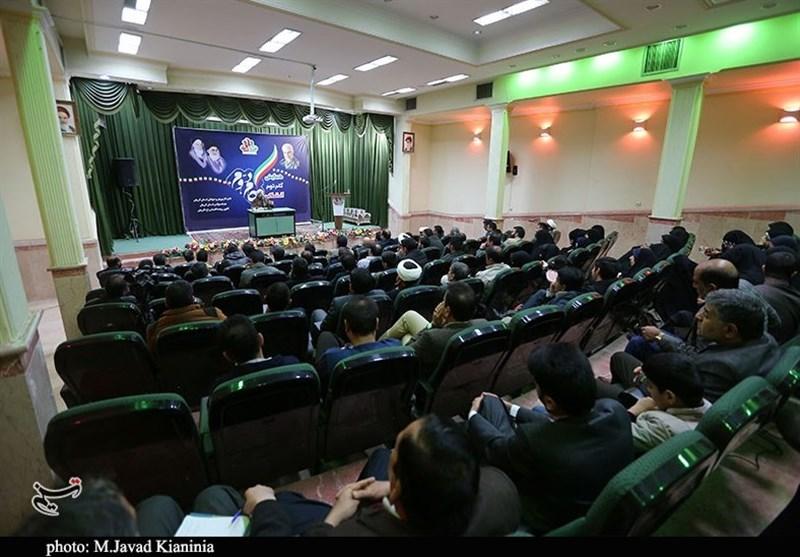 همایش گام دوم انقلاب شبکه جوانان آستان قدس رضوی در کرمان برگزار شد+ تصاویر