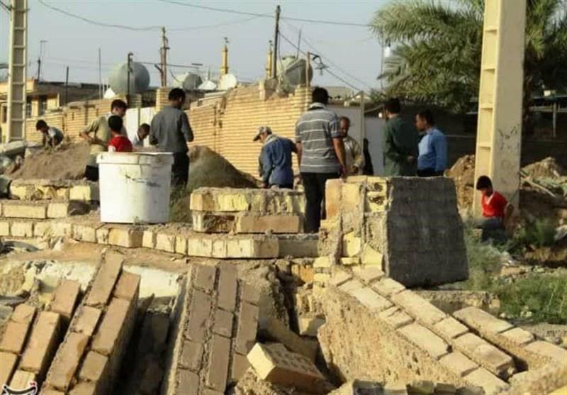 خشت همدلی گروههای جهادی در مناطق سیلزده لرستان و خوزستان / لبخندی که بر لب مردم مناطق محروم نشست + تصاویر