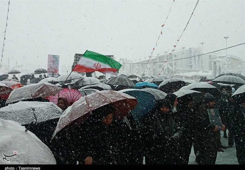 Iranians Stage Massive Rallies to Mark Islamic Revolution Anniversary (+Photos, Video)
