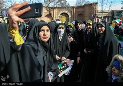 راهپیمایی 22 بهمن در سنندج