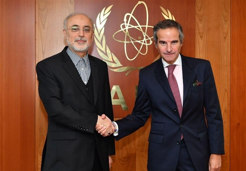 Nuclear Chief: Iran Not to Bow to Pressure