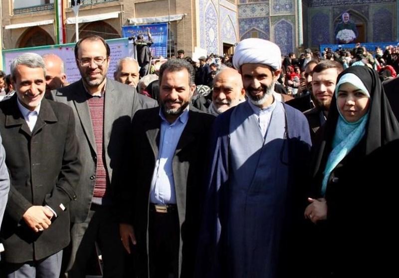 کاندیداهای شورای ائتلاف نیروهای انقلاب در استان اصفهان: باید به مردم احترام بگذاریم / مجلس جدید مشکلات معیشتی را حل کند