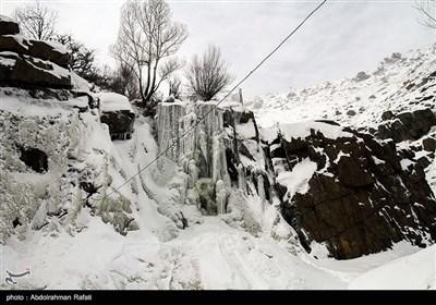 یخ زدگی آبشار گنجنامه همدان