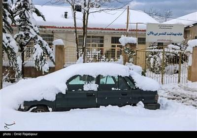 برف در روستاهای کلاچای و رحیم آباد گیلان