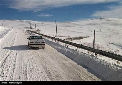 آخرین وضعیت راهها  برف نوروزی در جادههای ۵ استان/ ترافیک نیمهسنگین در آزادراه کرج ـ قزوین