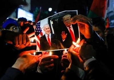 تظاهرات مردم خشمگین رام الله علیه معامله قرن و سازشکاران؛ تاکید بر مبارزه مسلحانه با رژیم صهیونیستی