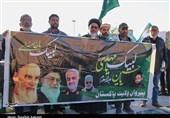زائران پاکستانی به عشق حاج قاسم به گلزار شهدای کرمان آمدند + فیلم