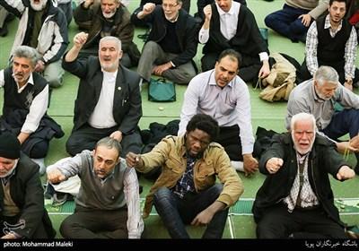 حضور مسلمانان کشورهای خارجی در نمازجمعه تهران