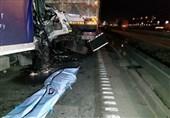 تصادف مرگبار کامیونت با کامیون + تصاویر