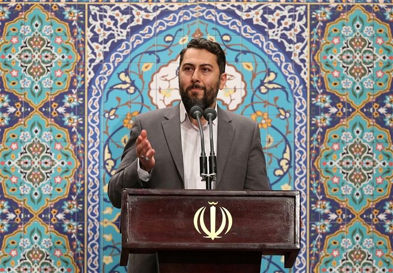 شعرخوانی احمد بابایی در محضر رهبر انقلاب +فیلم