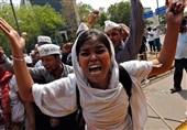 اعتراض بانوان هند به اجباری شدن عقاید مذهب هندو در دانشگاهها و بیاحترامی به دانشجویان