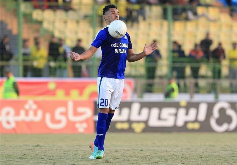 شاکری: میتوانستم 2 گل به استقلال بزنم/ قطعاً در لیگ برتر میمانیم