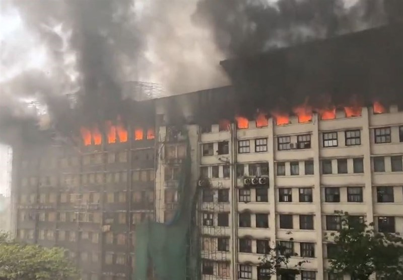 Massive Fire Break through India's Mumbai Building (+Video)