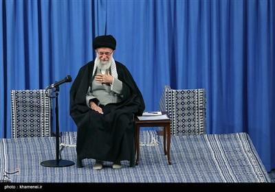 الامام الخامنئی: العدو سیفشل فی الانتخابات کما فشل فی ذکرى انتصار الثورة