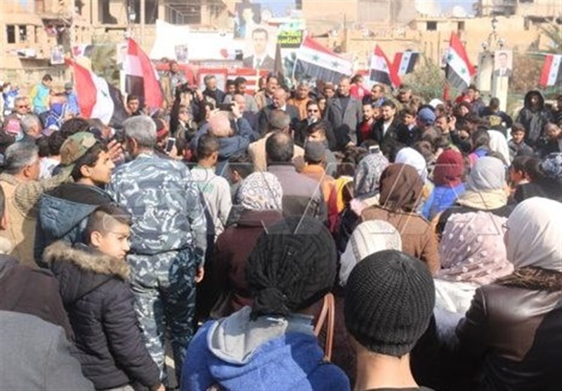 Syrian people celebrate army victories in Deir Ezzor