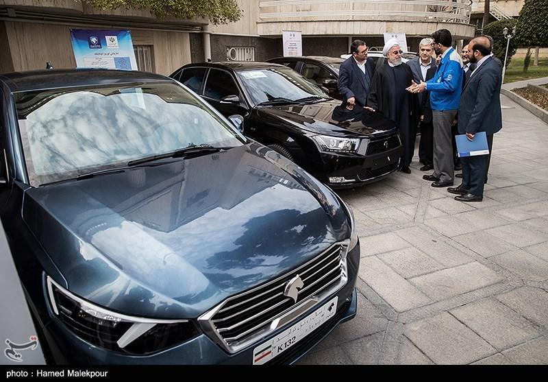 بازدید حجتالاسلام حسن روحانی رئیسجمهور از چهار خودرو تولید داخل
