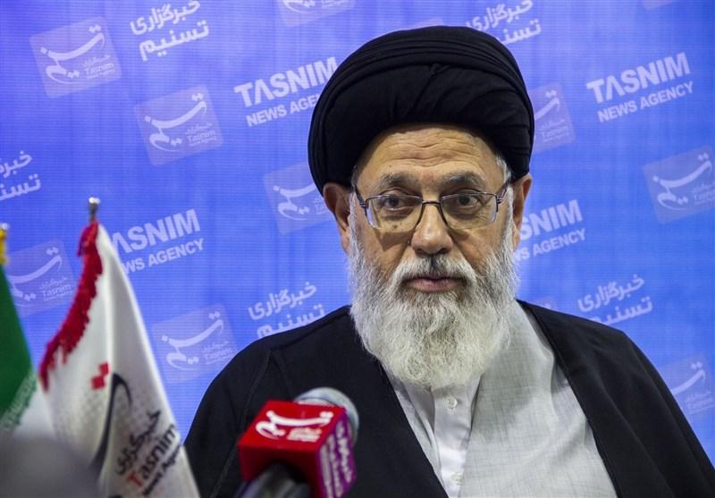 استاد حوزههای علمیه یزد: حمایت از مظلومان و محرومان از بخشهای اصلی گفتمان امام و رهبری است