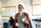 انتخابات ایران| نماینده ولی فقیه در استان چهارمحال و بختیاری رأی خود را به صندوق انداخت