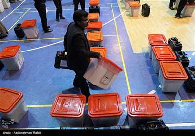 انتقال صندوقهای اخذ رای به شعب اخذ رای-همدان