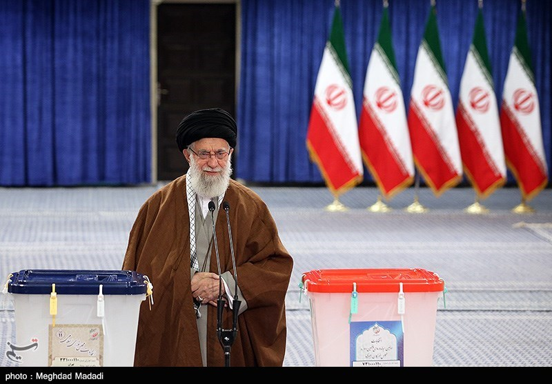 Iran Parliamentary Elections Kick Off, Leader Casts Vote in Early Minutes