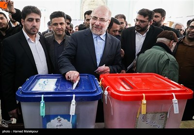حضور محمدباقر قالیباف در پای صندوق رأی یازدهمین دوره انتخابات مجلس شورای اسلامی