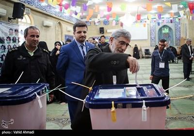 سردار اسماعیل قاآنی فرمانده نیروی قدس سپاه در پای صندوق رای