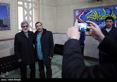 گرفتن عکس یادگاری با سردار اسماعیل قاآنی فرمانده نیروی قدس سپاه