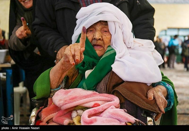 elderly woman votes