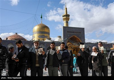 مشارکة اهالی مدینة مشهد فی الانتخابات البرلمانیة الحادیة عشرة