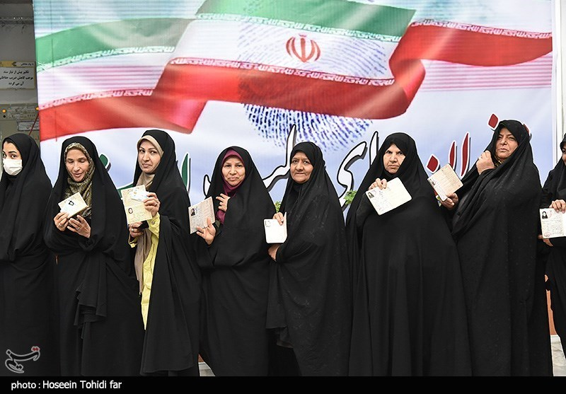 A group of women wait to vote in Birjand