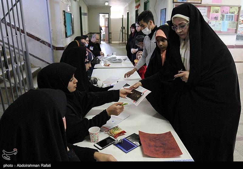 انتخابات ایران  صفهای طولانی مردم در مقابل شعب اخذ رای / حماسهای به یاد ماندنی در پایتخت تاریخ و تمدن ایران