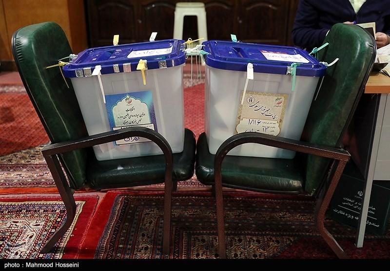 """انتخابات ایران """"مسنترین پیرمرد و پیرزن جهان"""" به عشق رهبر انقلاب در انتخابات کردستان شرکت کردند"""