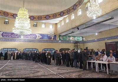 الاعلان عن النتائج النهائیة للإنتخابات البرلمانیة فی طهران.. المبدئیون یحققون فوزاً ساحقاً
