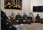 فرمانده کل سپاه با خانواده شهیدان پاشاپور و زمانی نیا دیدار کرد