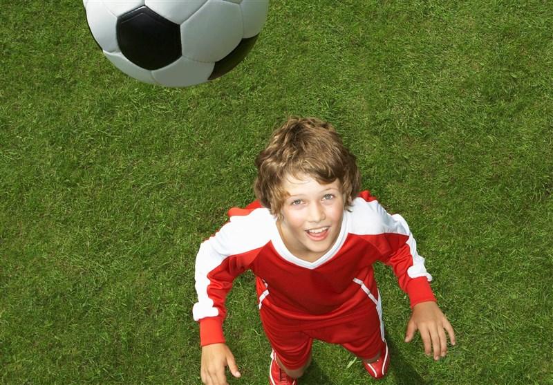 ممنوعیت ضربات سر برای فوتبالیستهای زیر 12 سال در بریتانیا
